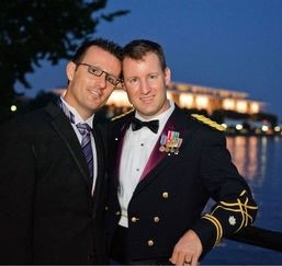 600x600 1499110598174 gay couple