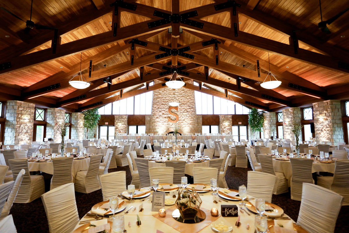 Minnesota Wedding Ceremony Locations: The Crown Room Banquet Center