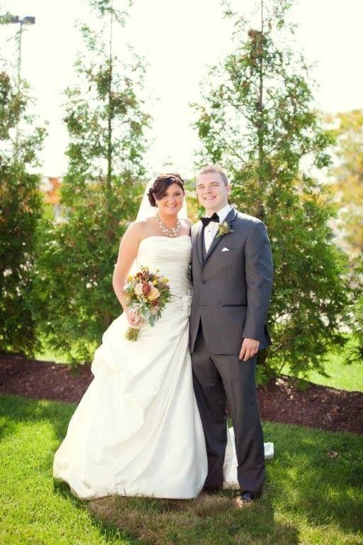 Holiday inn suites cincinnati eastgate venue for Wedding dress rental cincinnati ohio