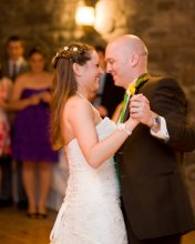 220x220_1343331722712-weddingphoto