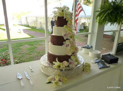 lynn 39 s cakes wedding cake alabama birmingham huntsville tuscaloosa and surrounding areas. Black Bedroom Furniture Sets. Home Design Ideas