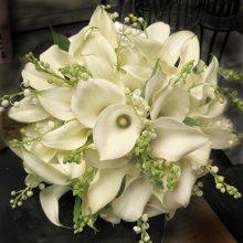220x220 1274565316464 bouquetflowers96710m