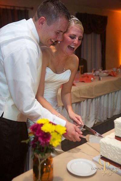 600x600 1417900032674 cake cutting