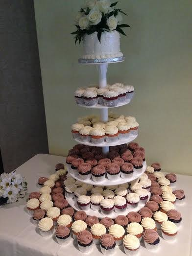 600x600 1417900108162 hughes cupcake tower 2