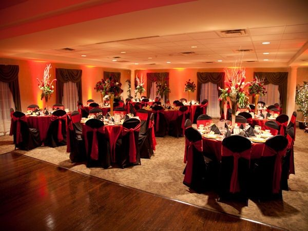 600x600 1417900244959 red and black winter wedding