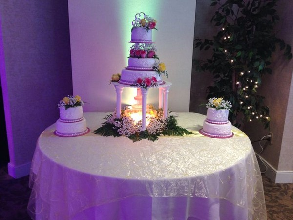 600x600 1417900313401 gorgeous cake