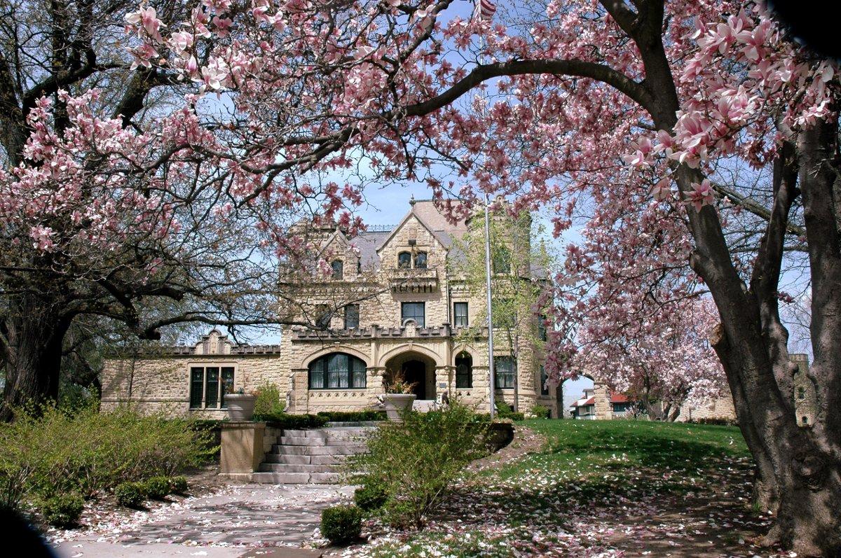Joslyn castle venue omaha ne weddingwire junglespirit Choice Image