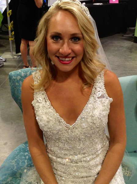 Glitz nashville nashville tn wedding dress for Wedding dress rental nashville tn