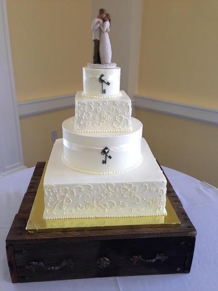 600x600 1478631388732 key cake