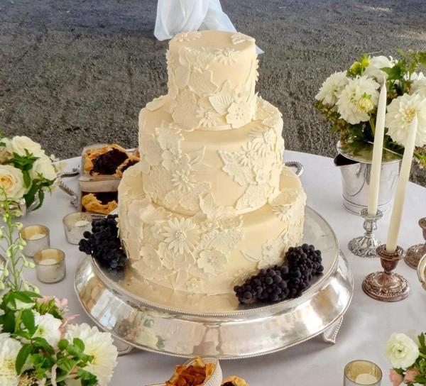 Wedding Rentals Portland Or: Portland, OR Wedding Cake