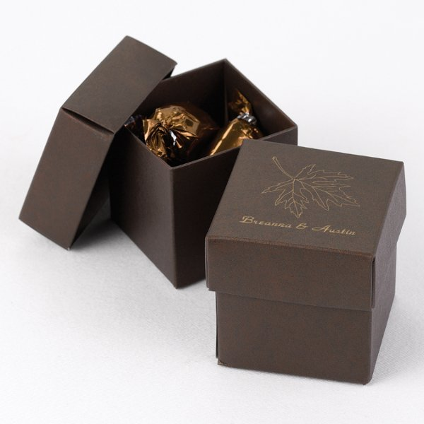 Brown 2-piece favor box Available with your choice of design, monogram or your names!