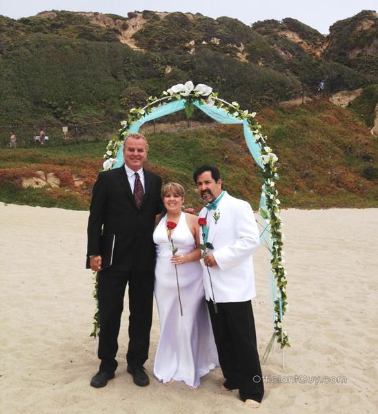 600x600 1483384938734 beach wedding 2
