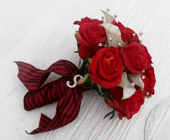 Modern Red Wedding Bouquets Silver White Bouquet Garden Spring Summer