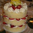 130x130_sq_1277156096193-strawtallcenterpiececake