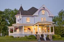 220x220 1382061941301 main house exterior1