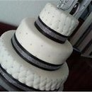 130x130 sq 1293774796320 blackandsilvercake