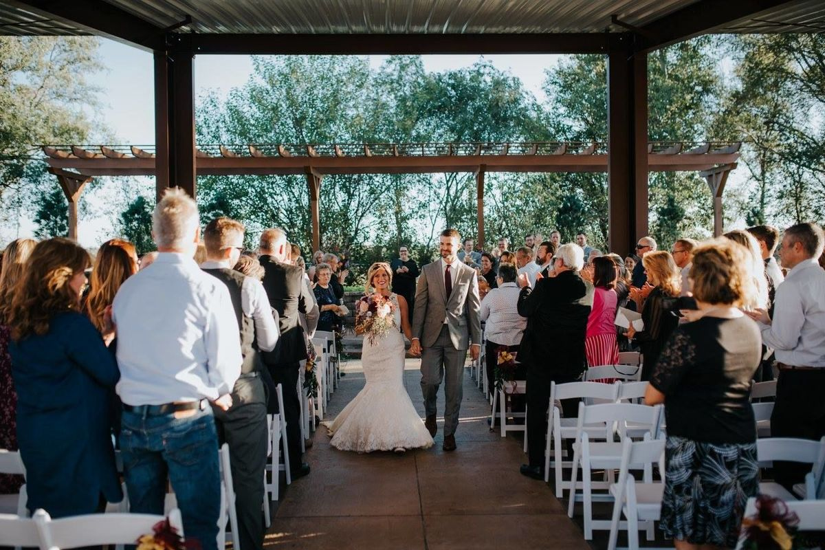 A view venues reviews omaha ne 26 reviews for Wedding dress rental omaha