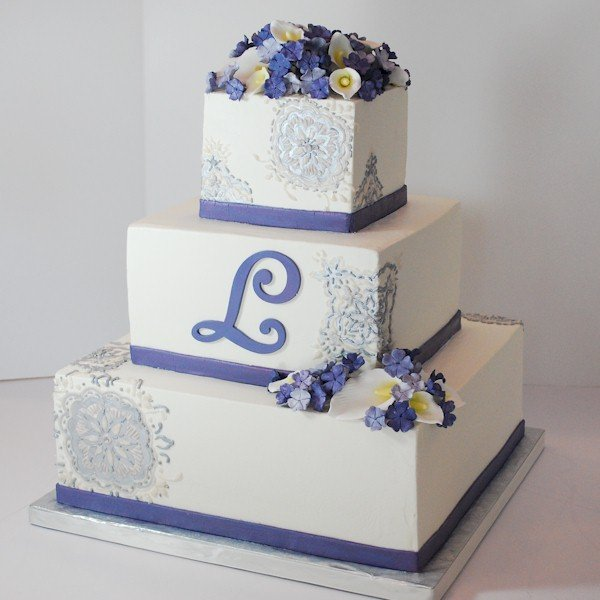 white and silver square wedding cakes purple silver white monogrammed square wedding cakes 27225