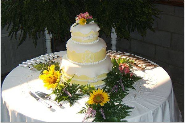 wedding cakes com cakes by terra raleigh nc wedding cake 24101
