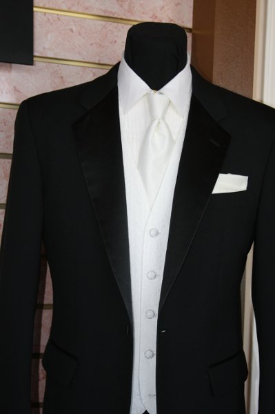 photo 3 of Allen's Tuxedo Formal Wear