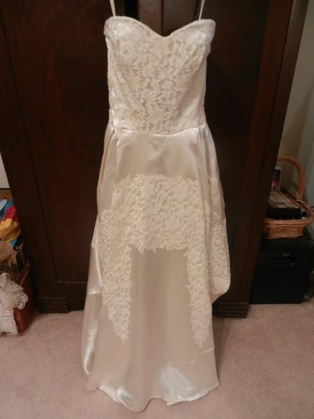 Angela 39 s artful attic asheville nc wedding dress for Wedding dresses asheville nc