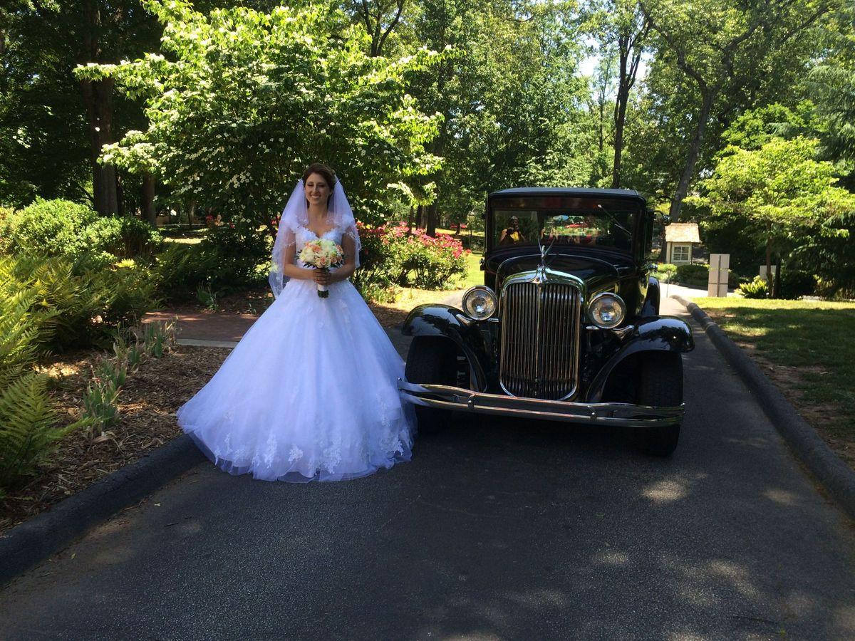 Atlanta hot rod limos transportation calhoun ga for Wedding dresses for rent in atlanta ga