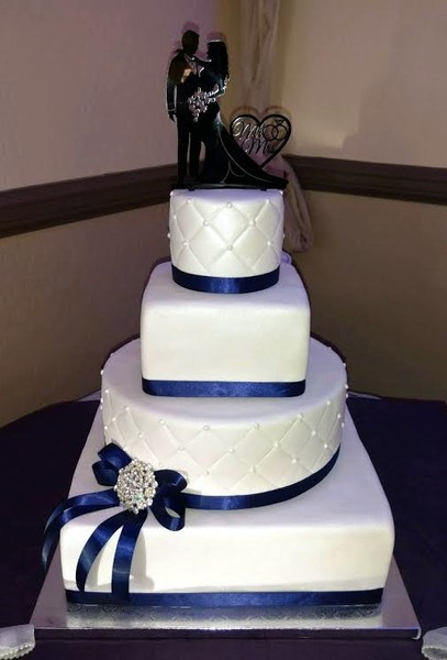 4 tier wedding cake square cakes by mooshu avondale glendale az wedding cake 10408
