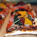 130x130 sq 1349104198098 pizza2