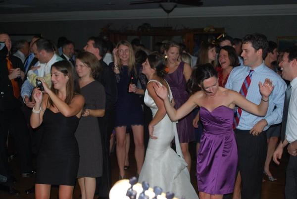 1483983469839 Bride Dancing Newport wedding band