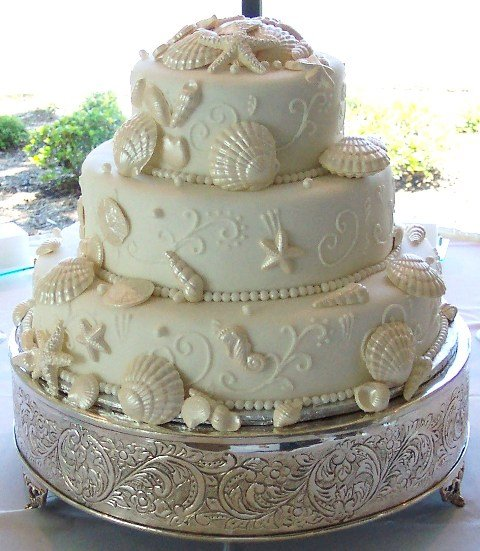 Long Beach, MS Wedding Cake
