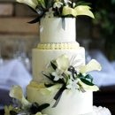 130x130 sq 1282309043061 smallweddingcakewithwhitcallas