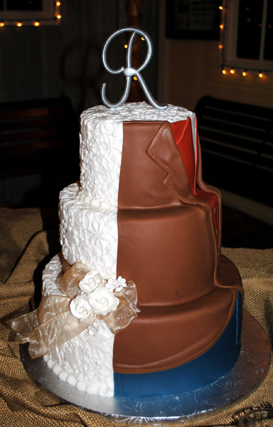 half wedding cake half grooms cake creative cakes by reviews dallas cake amp bakery 15054