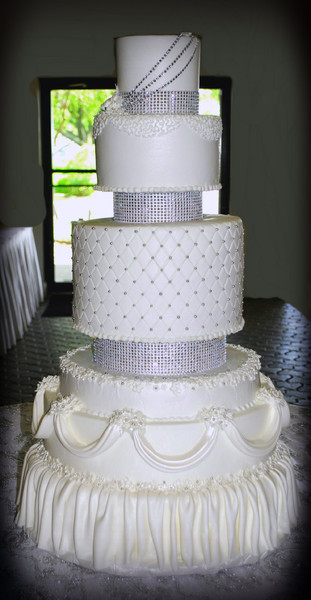 how to make a bling wedding cake stand creative cakes by azle tx wedding cake 15792