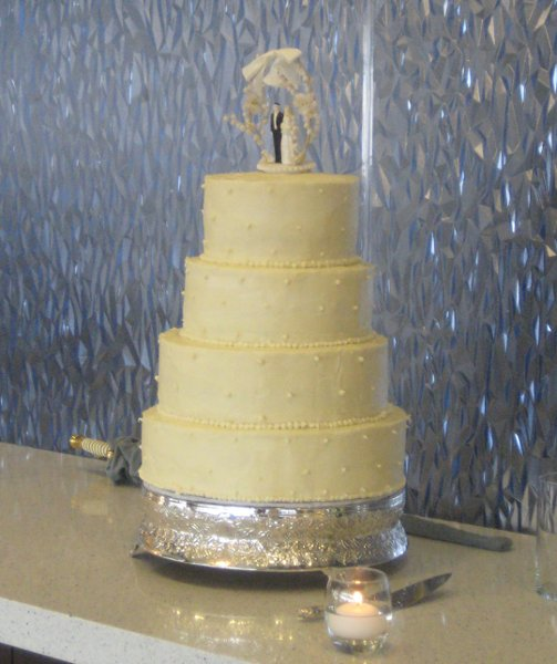 photo 21 of Southern Gold Leaf Cakes