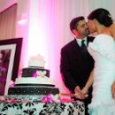 130x130_sq_1282857216000-damaskweddingcake