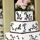 130x130 sq 1295396646198 weddingcake
