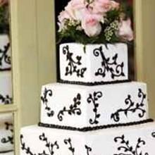 220x220 sq 1295396673714 weddingcake