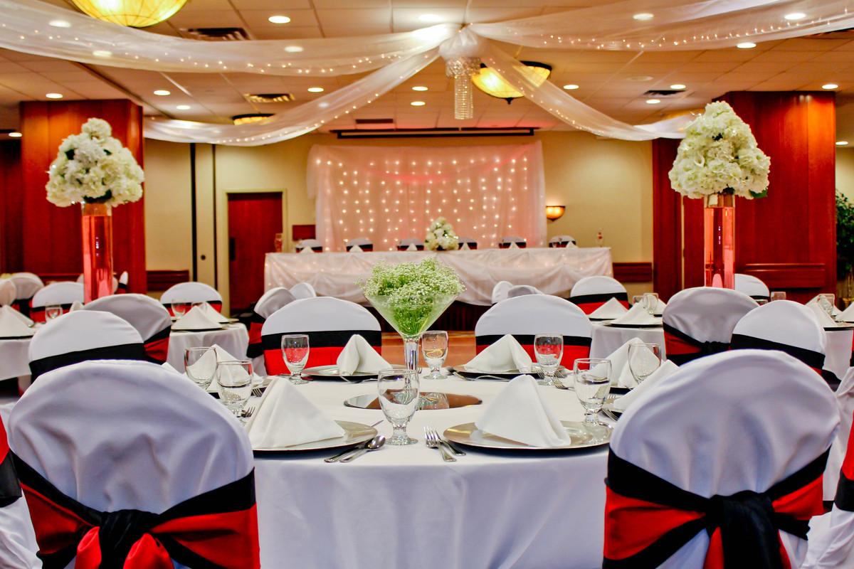 Appleton wedding venues reviews for venues holiday inn appleton junglespirit Images