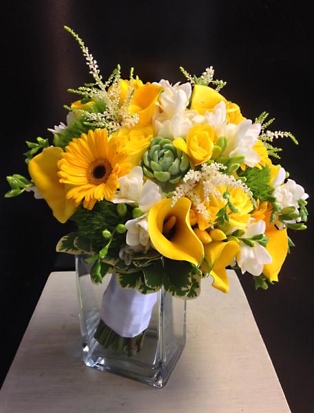 600x600 1489011770008 beckys bouquet