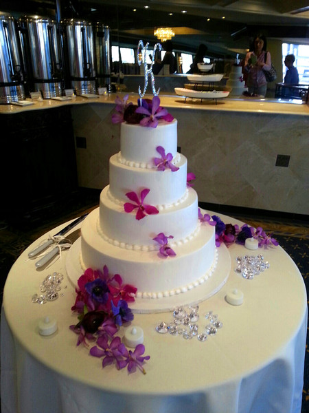 600x600 1489011779922 orchid wedding cake
