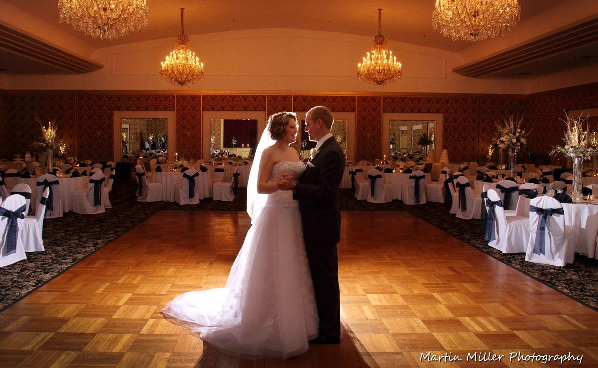 Ballroom at the abraham lincoln est 1930 venue for Wedding dresses reading pa