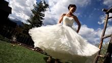 220x220 1382926852283 bride twirli
