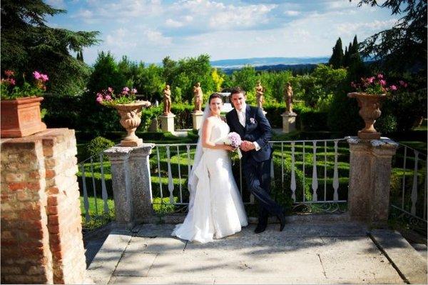 1354379621469 0048 VARESE wedding planner