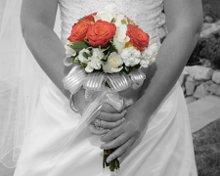 220x220 1293467396951 bwflowers