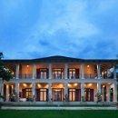 130x130 sq 1313445211154 plantationhouseback