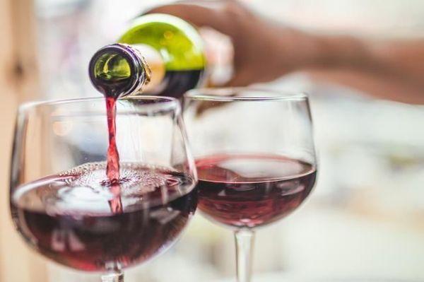 600x600 1524608944 5d9d3f8db11f827e 1524608943 57682f634902c4c7 1524609019577 6 wine being poured