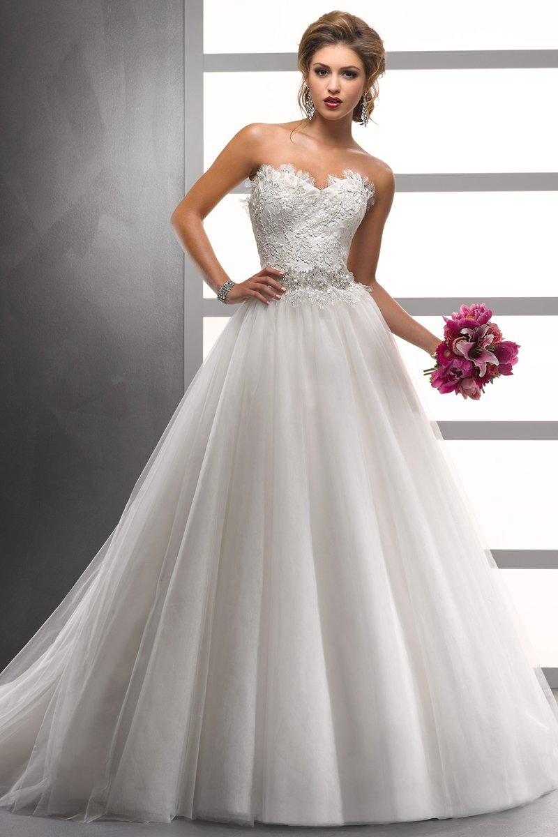 Wedding dresses: ballroom wedding dresses