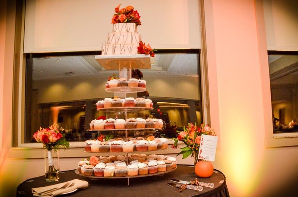 1421084252405 10524971102033011958648732026529578n Oneida wedding cake
