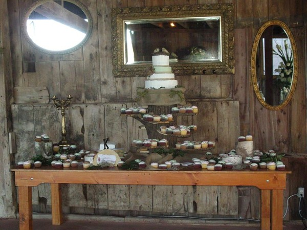 1421084330269 1374994603743113019885120244403n Oneida wedding cake