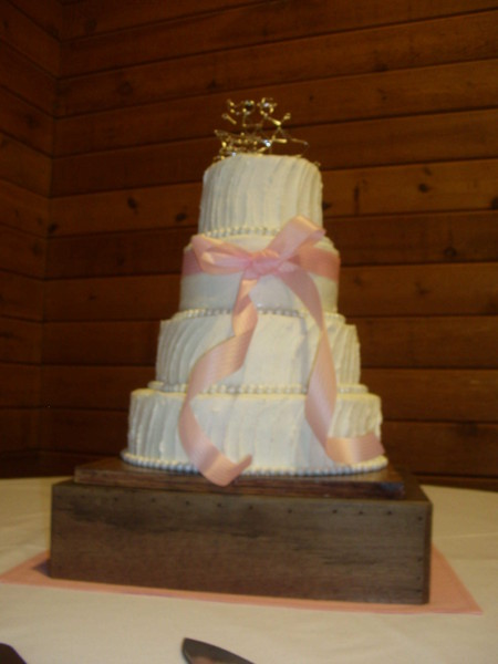 1421084459439 Arrowhead Lodge Cake 012 Oneida wedding cake
